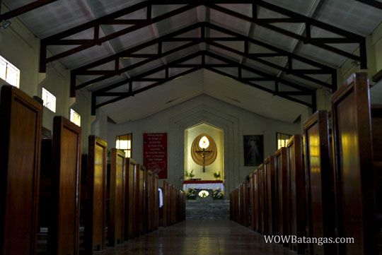 insdie-the-redemptorist-church-lipa