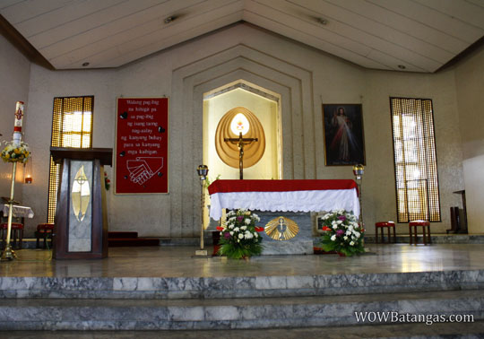 lipa-redemptorist-church-inside