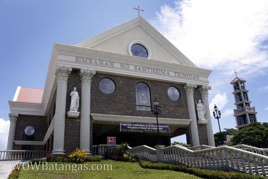 santissima trinidad church near sm city batangas