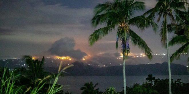 Taal Volcano muling nagbuga  ng steam