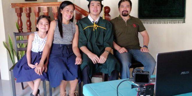 Kakaibang Virtual Graduation sa panahon ng Pandemya