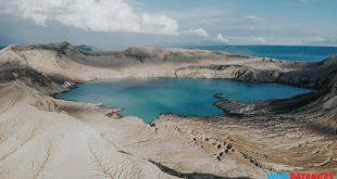 Taal Volcano Aerial mula sa Agoncillo
